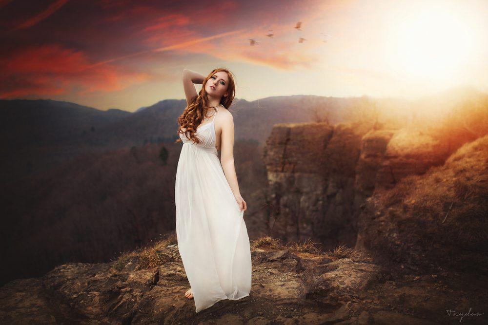 Bild auf den Hohensteiner Klippen Jana im Weißen Kleid